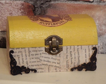 """FREE POSTAGE  Harry Potter inspired Hufflepuff trinket box """"Aged"""" Philosophers stone book pages"""