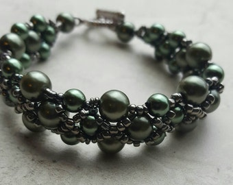 Right angle weave, olive pearl bracelet