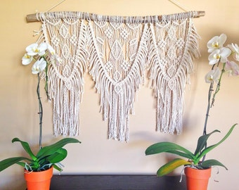Macrame Wall Hanging / Boho Wall Hanging /  Wall Tapestry / Macrame Wall Tapestry / Macrame Wall Art / Home Decor / Wall Art / Wall Decor