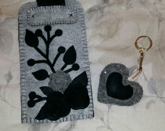 Mobile pouch with Keychain matched