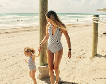 One piece swimsuit // mommy and me swimsuit // mummy and me outfit // bathing suit // swimsuit for girl // swimsuit for baby // stripes