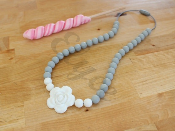 Necklace of teeth to chew on GREY FLOWER for MOM and baby, silicone