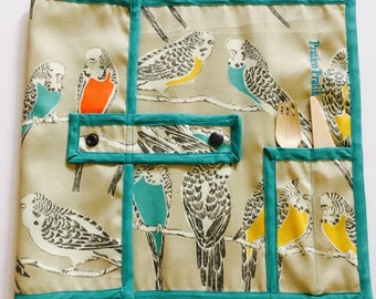 Ready to ship / placemat for lunch / parakeet / doily lunch / parakeets/ETSYFETEQUEBEC17