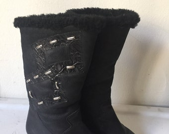 Vero Cuoio women's boots from real leather and sheepskin, long boots old boots winter boots vintage style black boots has size - 40 EU.