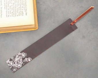 leather bookmark, bookmark, stamped bookmark, flowers bookmark, gift for readers, 3rd anniversary, reader gift, wedding favor, gift for her
