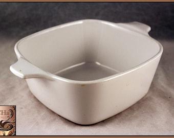 Vintage Corning Ware White 700 ML Casserole Dish