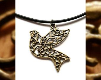 Antique Bronze Vintage Design Bird Necklace // Vintage Bird Pendant