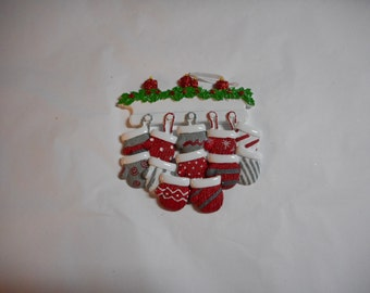 Mitten family of 12 ornament