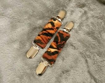 Mitten Clips, Pair of Cinch Clips, Tiger Stripes, Wildcat Glove Clips, Metal Mitten Clips, Elastic Mitten Clips, Handmade in Canada, adult