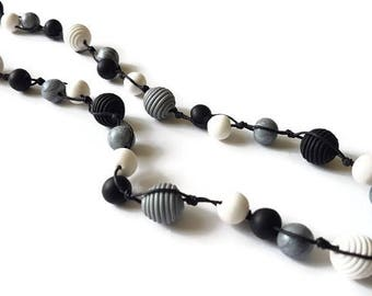 Black and white necklace long, Necklace for wife gift, Long necklace for mom birthday gift, Long beaded necklace, Black and white jewelry