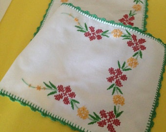 Beautiful Vintage Hand Embroidered Table Runner/Dresser Scarf--Red & Golden-Yellow Flowers W/Green Leaves And Border--Christmas Table Decor