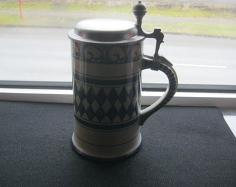 Tin lid jar Austria to 1960,Handbemahlt,Höge ca. 22 cm, diameter soil ca. 11, 5 cm