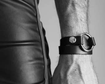 Leather strap double towers