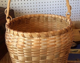Vintage Winnebago Basket Native American *SS57