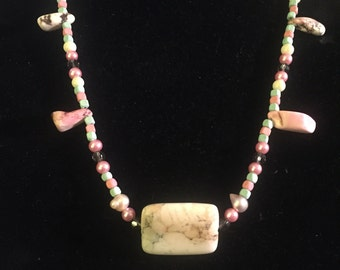 Pink and Natural Stone and pink pearl neckace