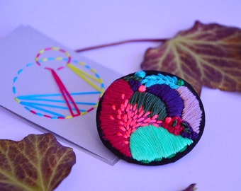 Embroidered Spring Brooch - Neon Mint and Pink Details - Gift for Her - Handmade Embroidery Pin - Colorful Fabric Badge - Neon Colors