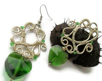 Green Silver wire earrings, Bridesmaid earrings, Heart earrings, Dangle earrings, Wire wrapped jewelry, Wire earrings, Gift for women