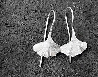 Sterling 925 silver Ginkgo biloba earrings, simple leaf jewelry, modern minimalist silver earrings, silver dangle drops