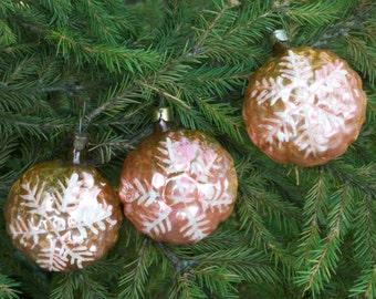 Old Christmas tree vintage snowflake ornament vintage christmas decoration white snowflake holiday decoration christmas snowflake decor tree