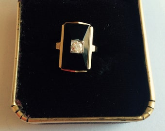 10k gold diamond and black onyx ring size 3 1/2 vintage # 322