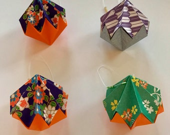 4 Origami Diamond Ornaments