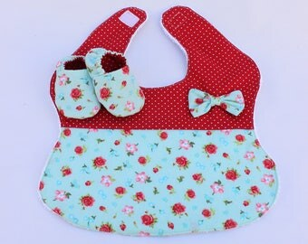 Kit bib and fabric shoes baby bib fabric Baby Slippers, girl, baby shower gift, gift maternity, baby shoes
