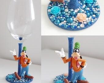 Goofy character glass