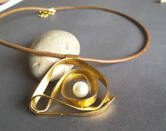 Brass Jewellery, Spiral Necklace, Gold Plated Necklace, Modern Necklace, Modern Jewellery, Jewellery Necklace.