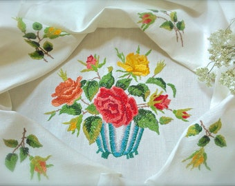 """Beautifully Hand Embroidered """"Bowl Of Roses"""" Vintage Linen Tablecloth"""