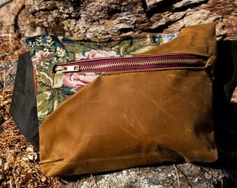 Traditional waxed canvas Hipbag