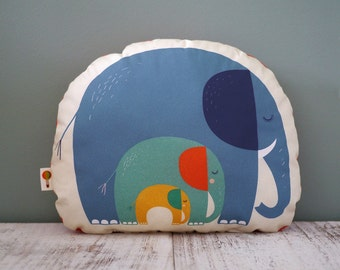 Small cushions elephant bio