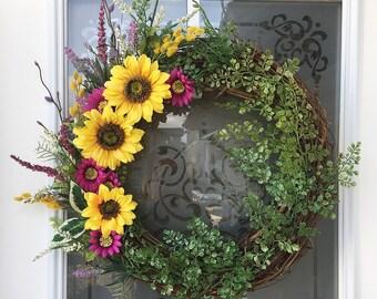 Spring Floral Wreath // Spring Decor // Front Door Decor // Spring Wreath