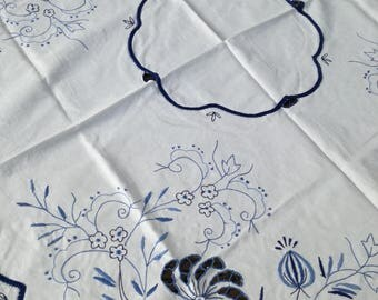 Vintage  Tablecloth ,Vintage Dekor ,Large Vintage