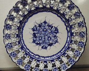 Floral design large handmade hanging collectors plate from Portugal in mid-1900s