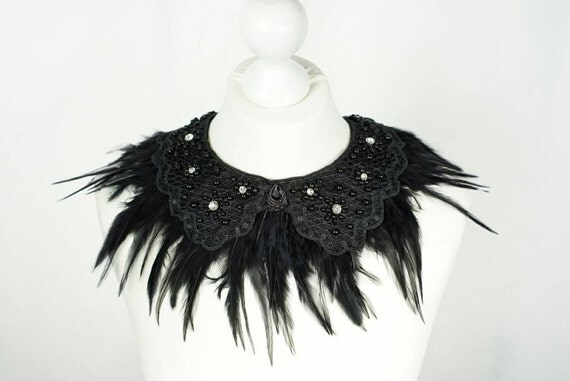 collar with feathers and crystals, feathers and rhinestones collar
