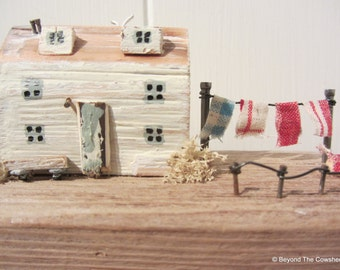 Driftwood cottage with washing line with screen printed gift bag