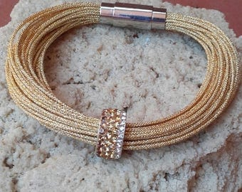 Bracelet turns thread gold glitter Central day of the mother of Lady of Honor... It