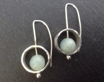 Spinning gemstone earrings