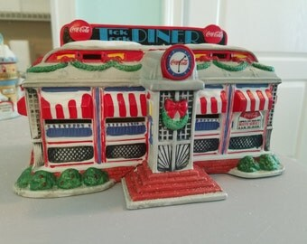 FREE SHIPPING, Department 56 Tick Tock Diner