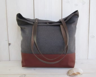 With outside pocket red tote bag shoulder bag leather bottom and straps Brown