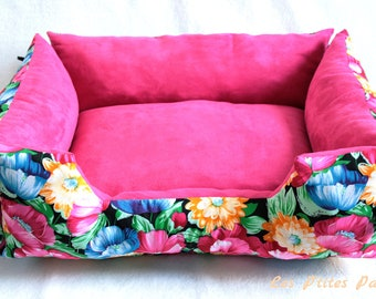 Bed for dog or cat pink and flowers