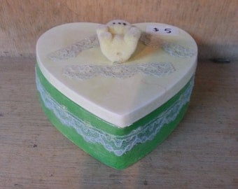 18. Light green ceramic box with bear, BB018