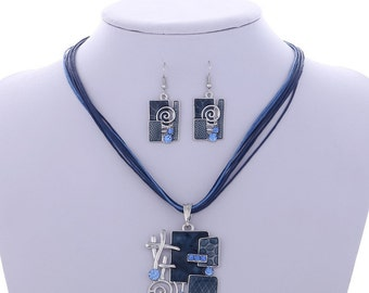 Modern Handcrafted Square & Swirl Crystal Jewellery Set Blue