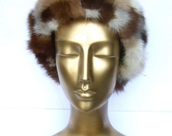 SAKS FIFTH AVENUE Luxurious Mink Patch Design Hat c 1970s