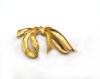 Goldtone Bow Brooch , Costume Jewlery
