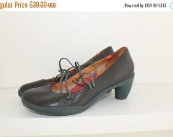 SALE Vintage Camper Woman Shoes women 42 US11 UK9 Leather Shoes Brown Leather Pumps
