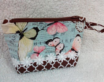 Make up bag/zippered pouch