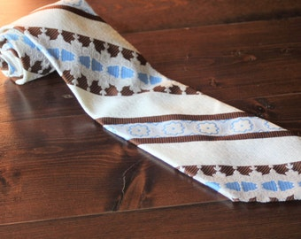 Vintage Mod Mens Tie from the 1970s, 70s Wide Tie, white brown and light blue, Great Mens gift!