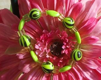 Ladies acrylic stretchy bauble bracelet
