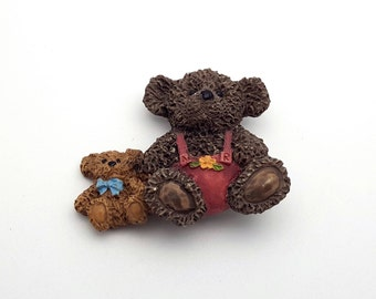 Two Cute Teddy Bears Resin Brooch Vintage from the 80s Spring Mother's Day gift for her Bear Hug Love Sweetheart Children